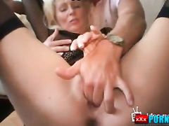 Sex with a sexy mature woman