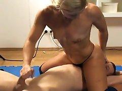 hardbody blonde wrestling