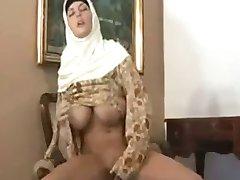 horney arab girl
