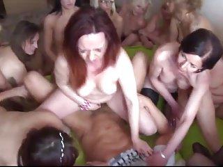 SEX MILF PARTY