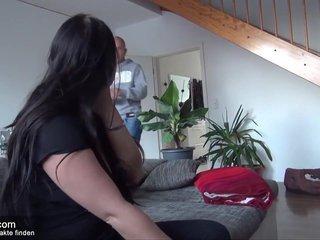 Hobbyhure bumst auf privaten Ficktreffen