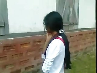 desi indian girl blowjob her bf outdoor